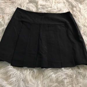 THEORY size 4 pleated mini skirt EUC